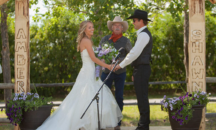 Heartland Actress Amber Marshall S Ranch Wedding