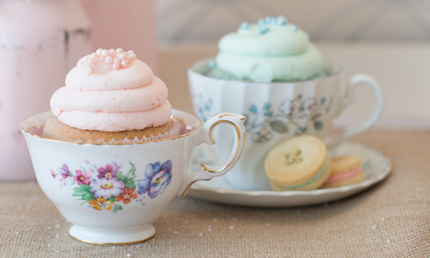 Pink Champagne & Blue Bubbly Cupcakes