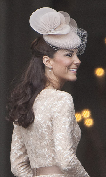 <h2>Heavenly Necklaces earrings</h2>