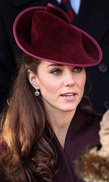 <h2>Kiki McDonough drop earrings</h2>