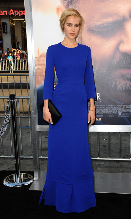 Isabel Lucas looked elegant as ever in a royal-blue Christian Dior design at the L.A. premiere of 'The Water Diviner.'