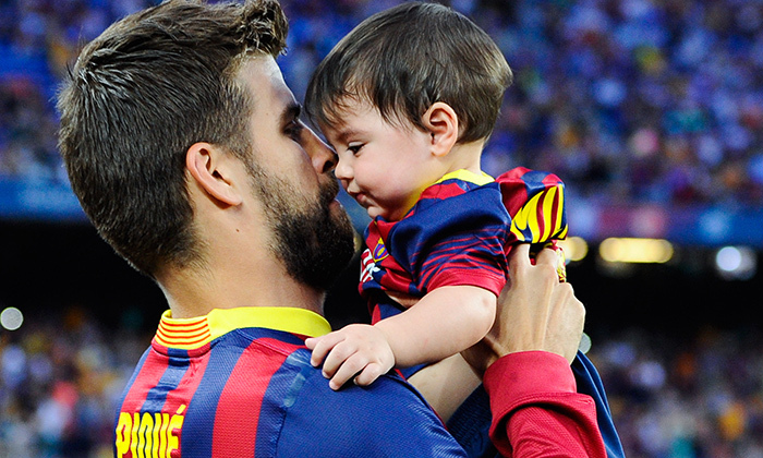 A tender moment between father and son was captured before an FC Barcelona vs Sevilla FC match in 2013.
