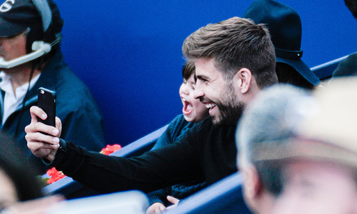 To keep him entertained, Gerard Pique taught his son how to take a selfie during the match. The toddler looked thrilled! 
