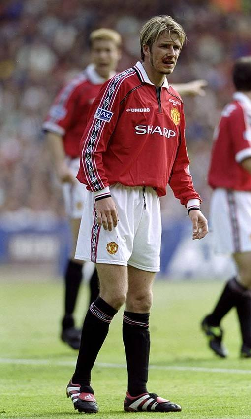 Rocking his Manchester United kit during a match in 1999. Photo: © Getty Images