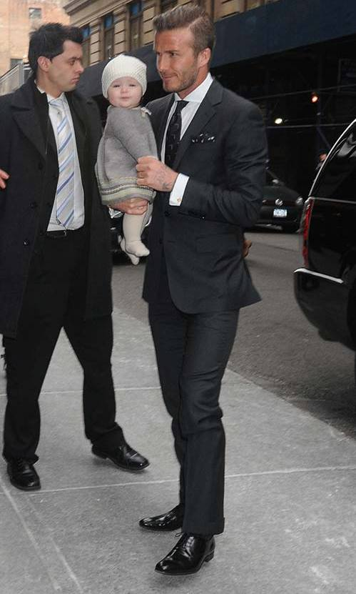 Forming a stylish father-daughter duo with little Harper in New York City. Photo: © Getty Images