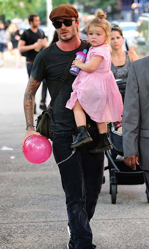 Dressed down for a fun day out with daughter Harper. Photo: © Getty Images