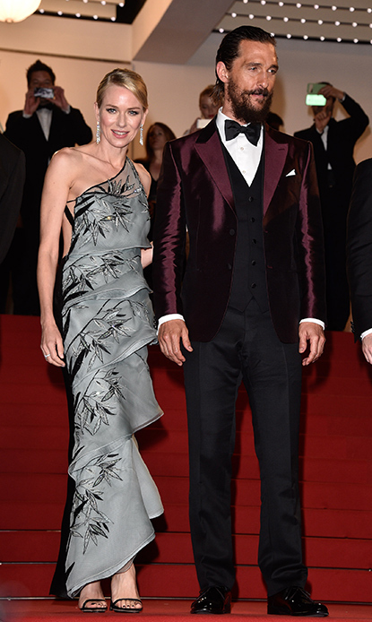 Naomi Watts in Armani Privé with Matthew McConaughey.