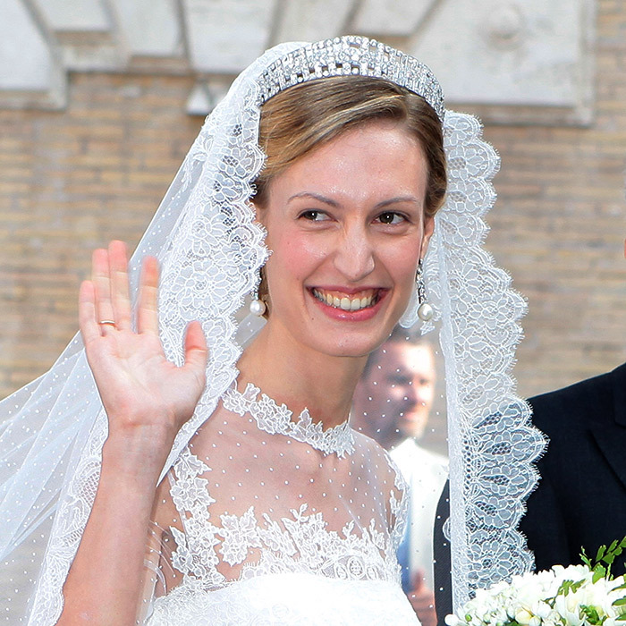 Like her aunt, Queen Mathilde of Belgium, Elisabetta Maria Rosboch von Wolkenstein matched her Valentino creation with the Elisabeth Diamond Bandeau tiara while tying the knot with Prince Amedeo of Belgium in Rome. The Art Deco piece can also be worn as a necklace.  