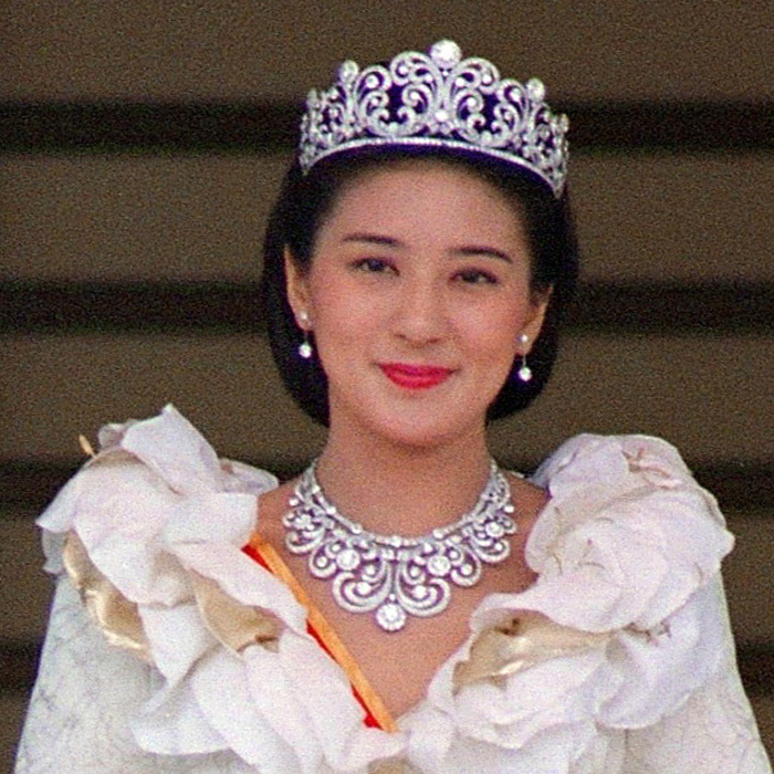Made completely of diamonds, Japan's Crown Princess Scroll tiara was worn by Princess Masako Owada at her wedding to Crown Prince Naruhito in 1993. Naruhito's mother, Empress Michiko, also became a wife adorned in the glittering gems.