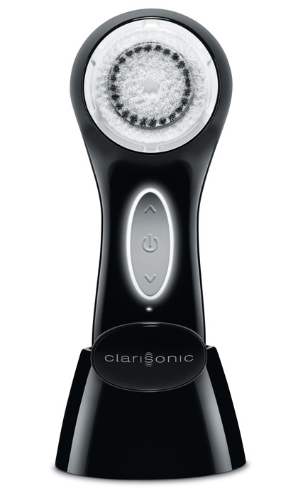 Update your dad's grooming routine and appeal to his gadget-loving side!
