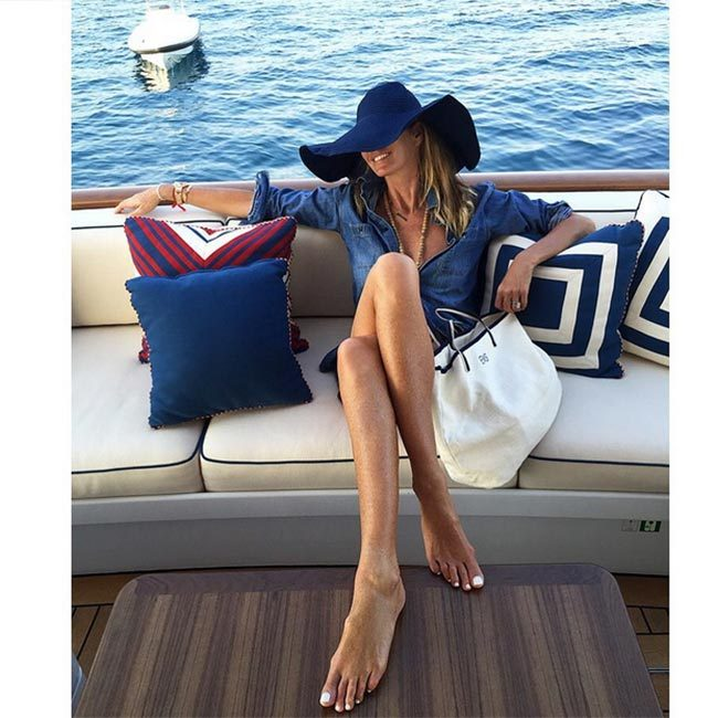 Elle Macpherson - Mediterranean cruise