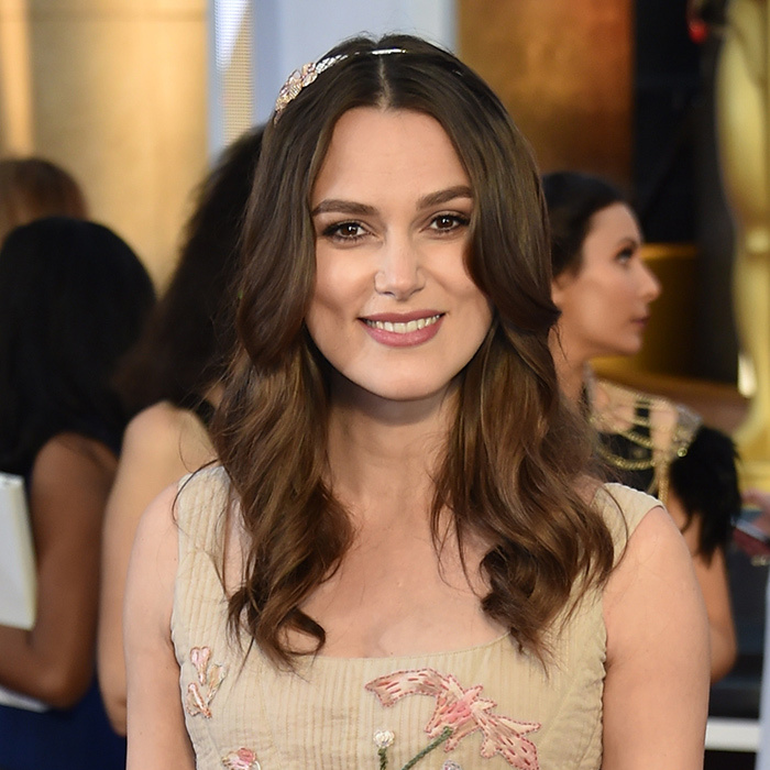 "English rose Keira Knightley has revealed that she has ""read all the books"" and thinks ""Harry's pretty cool. He's got a good scar.""