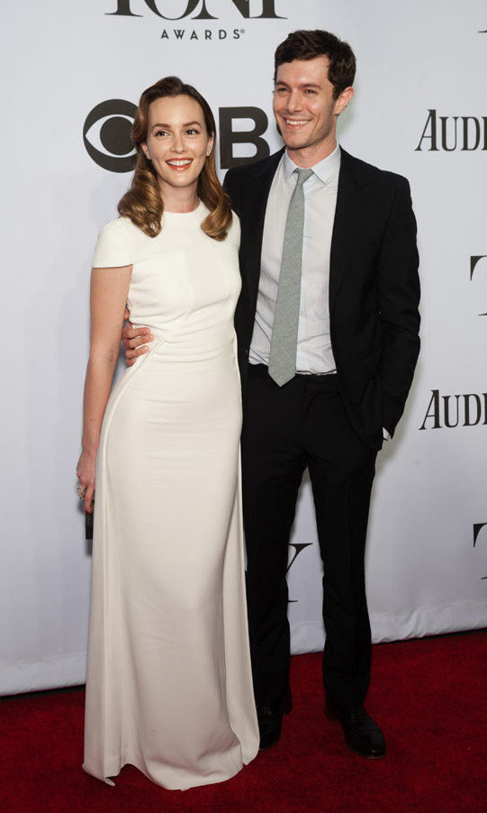 <h2>Leighton Meester and Adam Brody</h2>