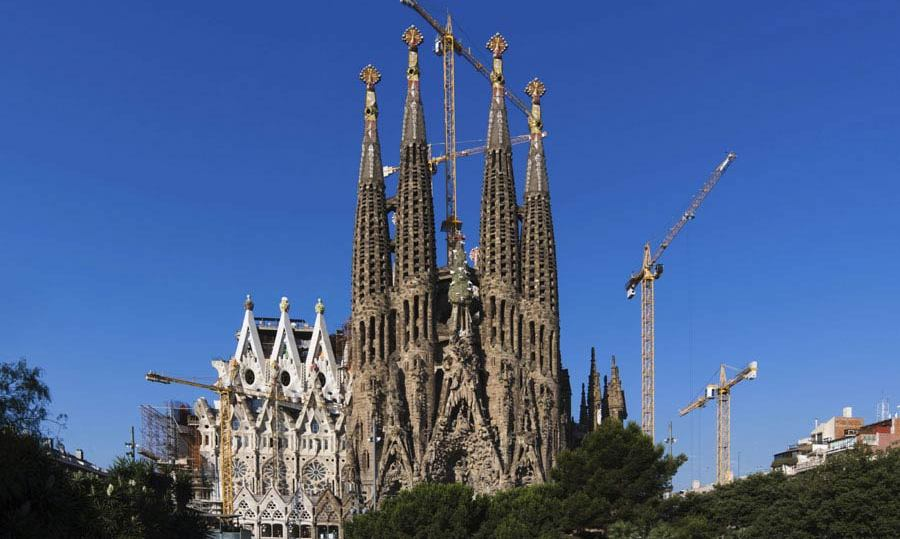 16. SAGRADA FAMILIA, SPAIN