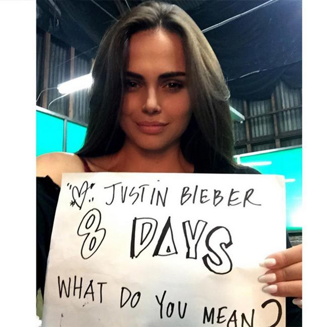 1. She has reportedly been dating pop star Justin Bieber in recent weeks.