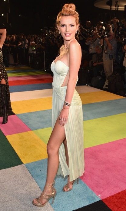 Bella Thorne.