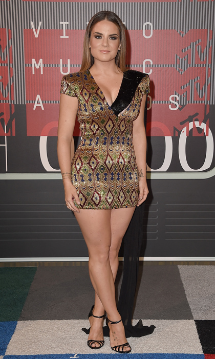 Singer JoJo was back in the spotlight at the MTV VMAs in a hand-embellished design by Jani Khosla.