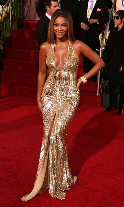 Dazzling in Elie Saab at the 2007 Golden Globe Awards.