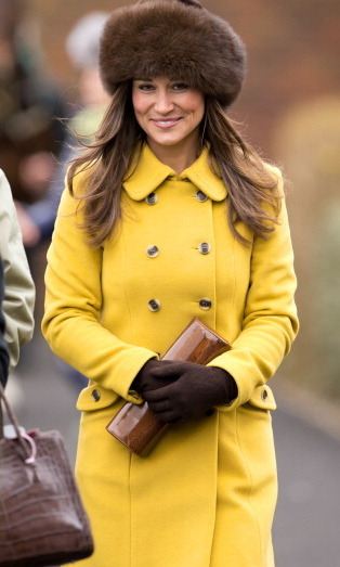 SHE LOOKS GREAT IN YELLOW: 