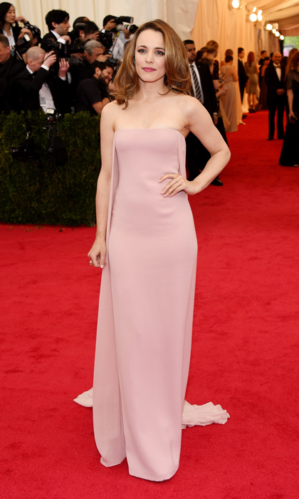 Simple elegance was all Rachel McAdams needed to own the red carpet at the 2014 Met Gala. 