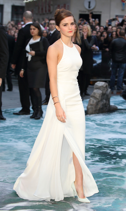 English rose Emma Watson looked wonderful in head-to-toe white at the premiere of 'Noah' in 2014. 