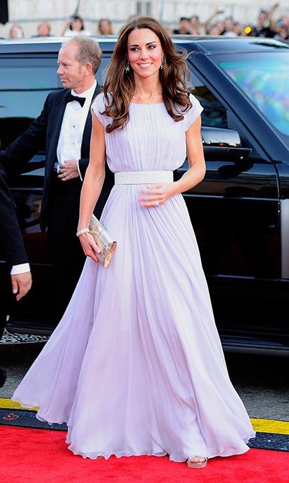 Kate opted for a pretty pastel Alexander McQueen dress for the BAFTA Brits to Watch event in Los Angeles. With a cinched waistband, soft pleats and complementing silver clutch, it was the epitome of Hollywood glamour.