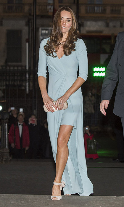 All eyes were on Kate when she attended the Wildlife Photographer of the Year Awards in this striking pale jade coloured Jenny Packham gown in October 2014.