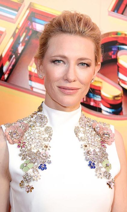 Cate Blanchett rocked an edgy slicked back chic updo and kept her make-up to a bare minimum save for a slick of nude lipgloss.