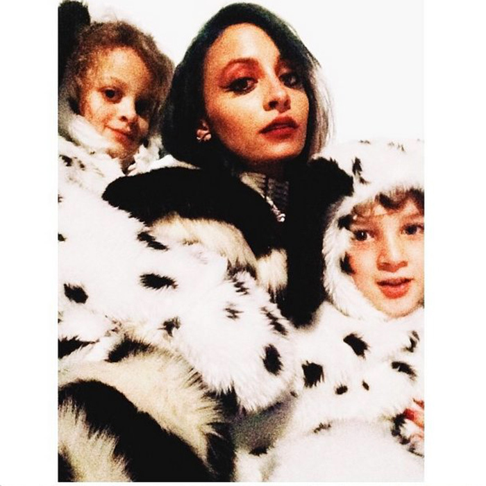 Spotted last Halloween: Nicole Richie as Cruella De Vil, and her kids, Harlow and Sparrow, as the cutest Dalmatians. 