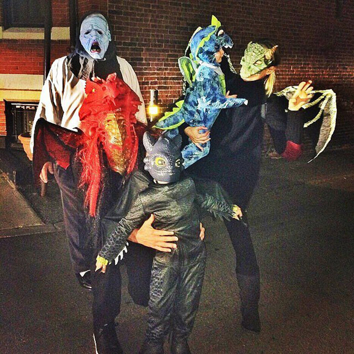 Masks or not, Gisele Bundchen and husband Tom Brady, along with their children Benjamin and Vivian, made the best-looking family of dragons last Halloween.
