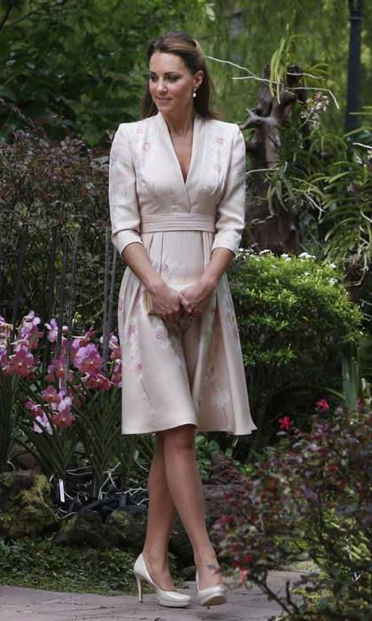 On an official trip to Singapore in 2012, Kate wore a custom Kimono-style Jenny Packham dress featuring an orchid pattern, the flower most closely associated with the country.