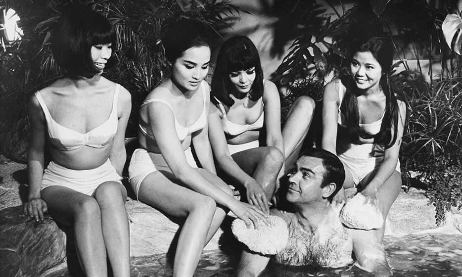 The fifth James Bond installment, 'You Only Live Twice' in 1967, saw Sean consorting with a host of Bond women, including Japanese actresses Akiko Wakabayashi and Mie Hama, and German beauty Karin Dor. 