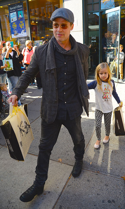 Brad Pitt treats his adorable daughter Vivienne to a shopping spree at Barnes & Noble in New York. 