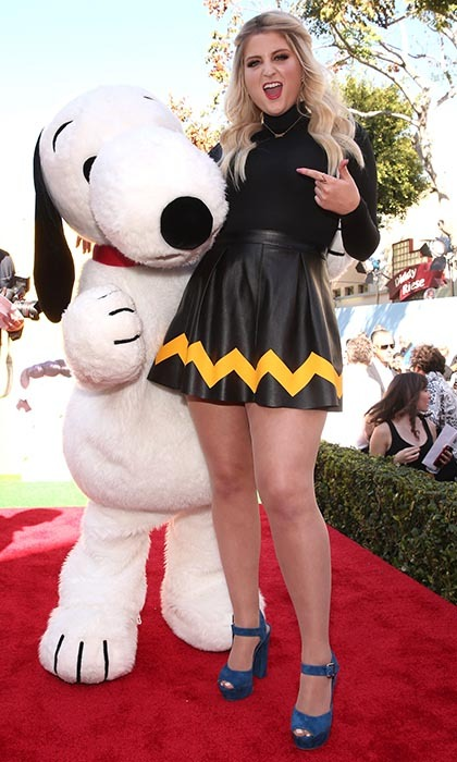 """All About That Bass"" singer Meghan Trainor finds a new friend in Snoopy at the LA premiere of 'The Peanuts Movie.'