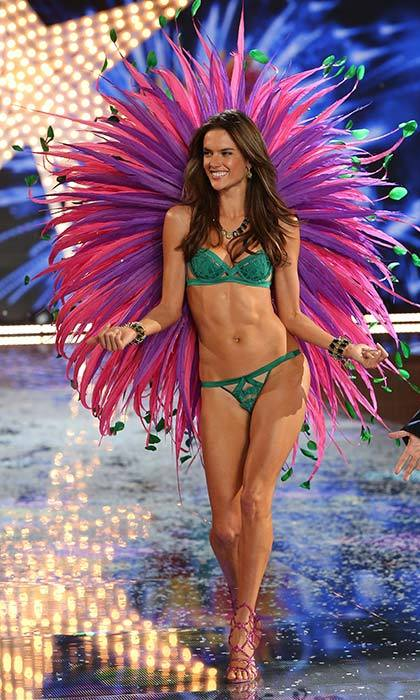 Alessandra Ambrosio told Hello! that the Brazilian Butt Lift workout and classes at Physique 57 helped kick her pre-show workouts into high gear!