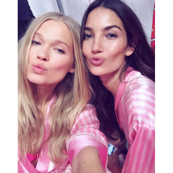 @vitasidorkina: We just ROCKED the first show! Now waiting for round two 落 @lilyaldridge #VSFashionShow #VSFS2015 #VitaSidorkina #LilyAldridge