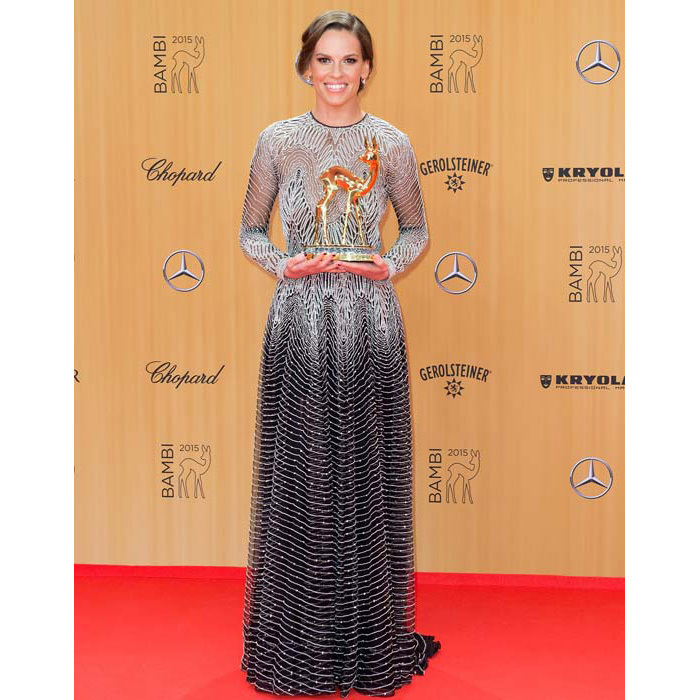 <strong>Hilary Swank</strong> dazzled in a silver ombre dress.