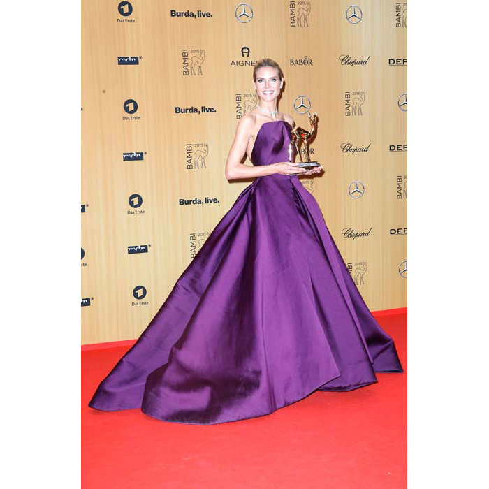 <strong>Heidi Klum</strong> also went down the dramatic path, sporting a deep-purple Zac Posen dress with a long train.