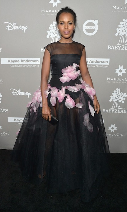 Kerry Washington, who welcomed daughter Isabelle in 2014, was honoured at this year's Baby2Baby gala for her support of the organization's mission to provide children with basic necessities. 