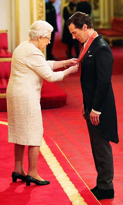 The Queen recognized British actor Benedict Cumberbatch with a CBE, making him a Commander of the Order of the British Empire, during an investiture ceremony at Buckingham Palace. The actor received the top honour on Nov. 10 for his charity work as well as his contributions to the arts. 