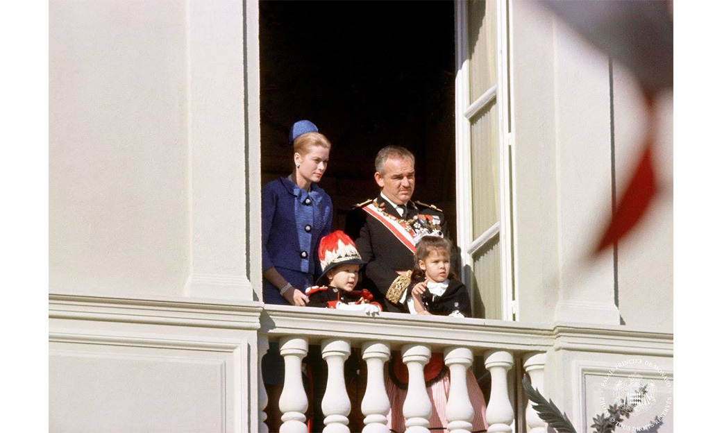 The family greet crowds from the palace balcony in 1962, with Albert and Caroline pictured. Princess Stephanie was not yet born.<br>