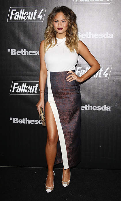 <p>The Utah native made a leggy appearance at the Fallout 4 video game launch party in a Solace London Nicks skirt.