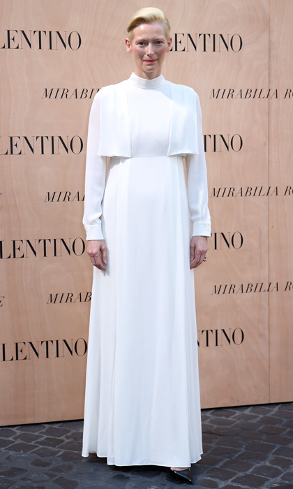 <p>Tilda Swinton is angelic in white, reminding us of our favourite do-gooder, Primrose Everdeen.</p>