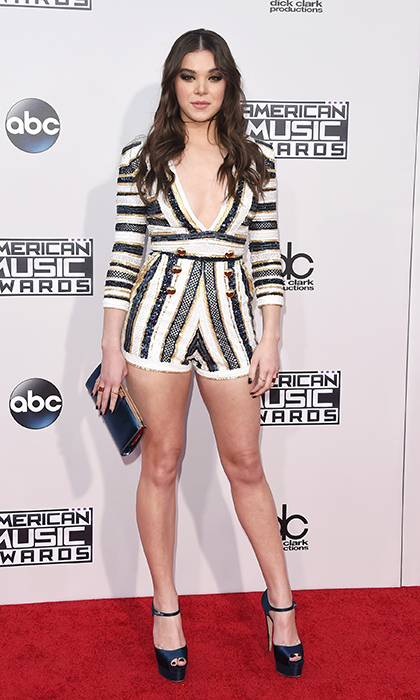 <p>Hailee Steinfeld in Zuhair Murad.</p>