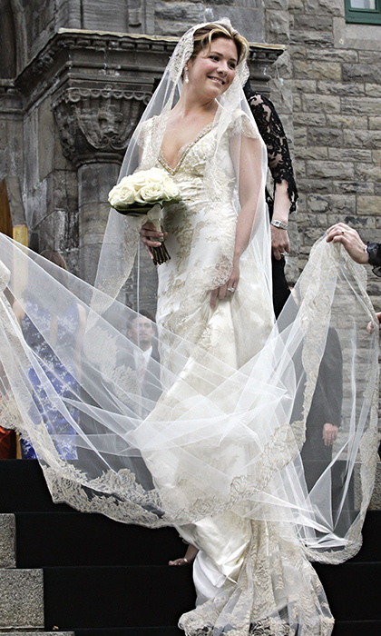 <p>Sophie's gorgeous wedding dress, which she reportedly helped design.</p>