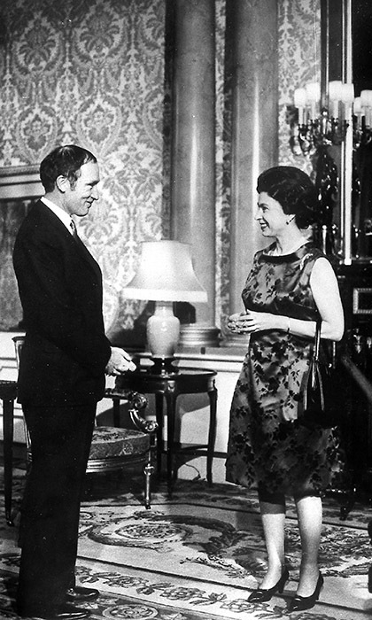 <p>Pierre Trudeau enjoyed a meeting with the Queen while he was in London for the Commonwealth Prime Ministers Conference in January 1969.</p>