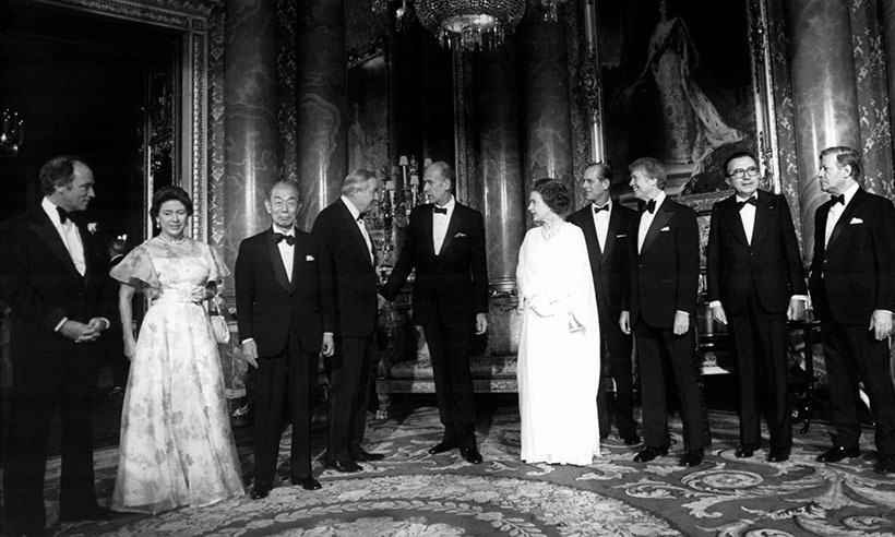 <p>Pierre Trudeau (far left) joined the Queen and other world leaders at the 1977 G7 economic summit in London.</p> 