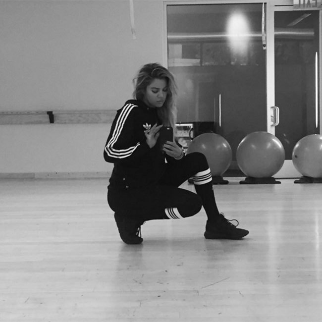 Khloé Kardashian provides some major fitness inspiration on her Instagram page, regularly sharing photos of her workouts. The star repeatedly turns heads with her trim figure; she favours gym sessions to achieve her look. (@khloekardashian)