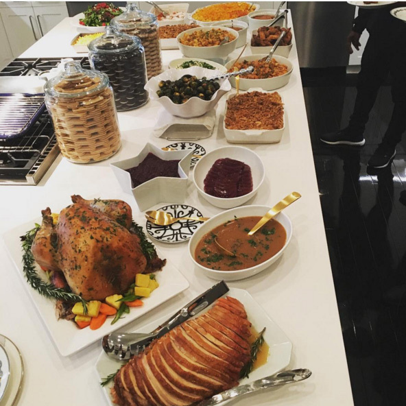 Wow looks like it was a yummy Thanksgiving in Khloe Kardashian's house!