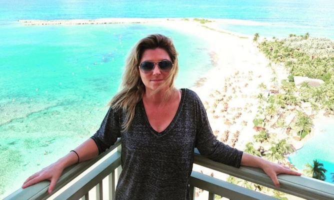 "Shania Twain surely gave thanks for her gorgeous surroundings, sharing a stunning photo from her Bahamian paradise. She captioned the photo ""#HappyThanksgiving from the Bahamas.""